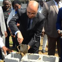 "{:alt=>""Africa Re Lays the Foundation Stone for its New Head Office in Abuja""}"